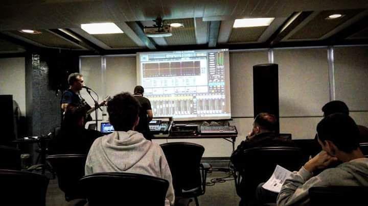 Mixagem de palco e estúdio #sonorizaçãoprofissional #áudio #Sesc #Técnica by sauloweb