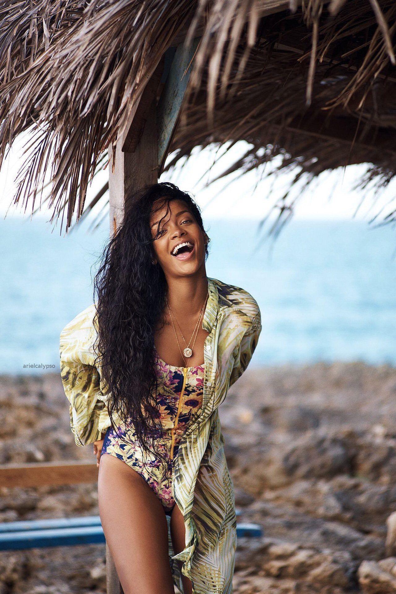 Rihanna pis images 32