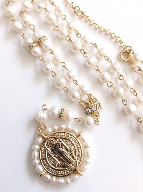 1f6cc39b215b Delicado collar Rosario de perlas cultivadas de 5mm por Sifrimania