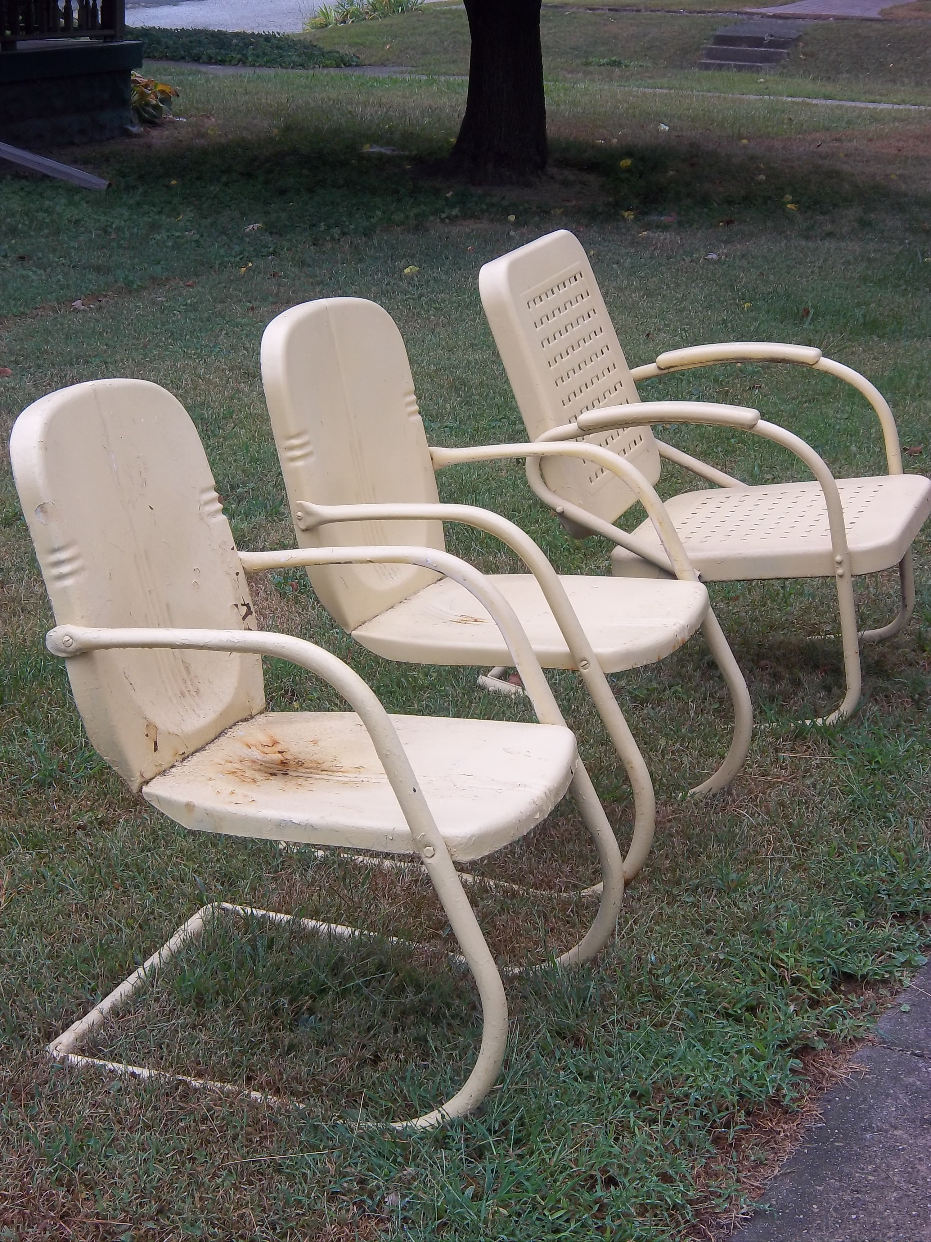 my vintage metal chairs home and garden vintage metal chairs rh pinterest com