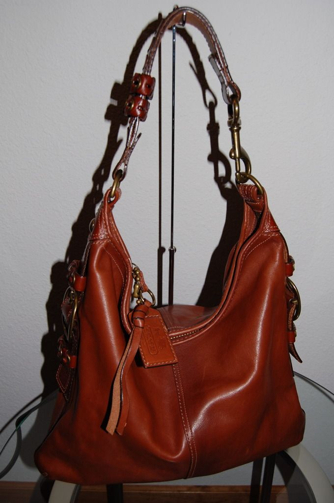 57672de9bddc Whiskey Leather Bleecker Felicia Hobo . Love!