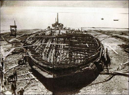 Caligula Schiffe