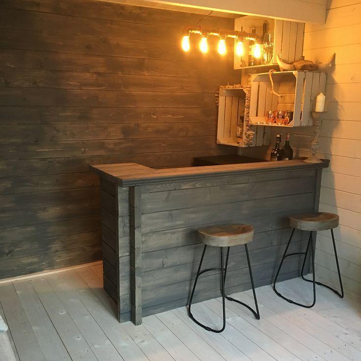 Rustikale Bar im Blockhaus. Was würdest du benutzen   #Bar #Cabin #log #logcab