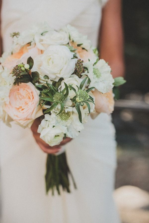 Board #114382  #bouquet #wedding #weddingbouquet #eventdesign #floral #flower #bouquets #peach #white