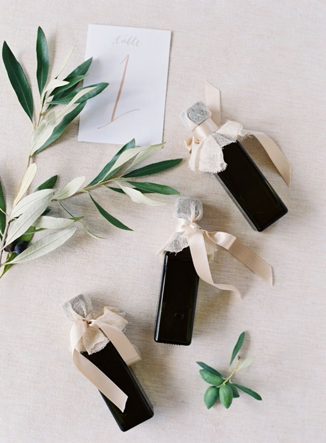 wedding favors ideas do it yourself%0A    Minimalist Wedding Ideas That Show Less  Is  More via Brit   Co