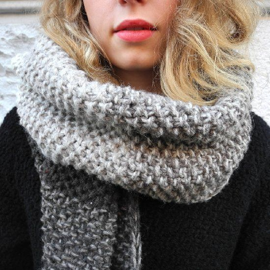 Tutorial on how to knit a color gradient scarf! Get the ...