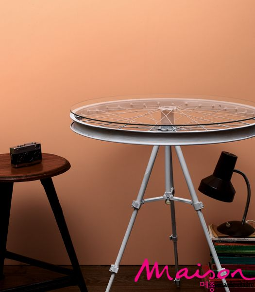 tripod bicycle wheel side table upcycle home bicycle decor rh pinterest com