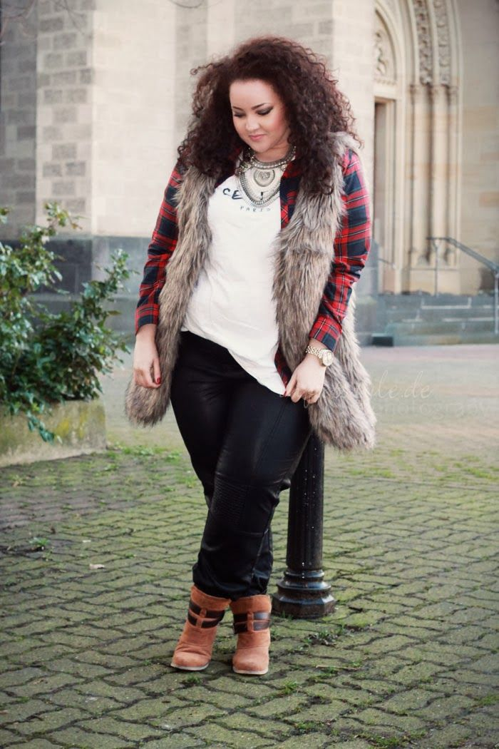 Love the vest u0026 leather pants combo...reminder of the grunge 90u0026#39;s yet updated | Chubby girls ...