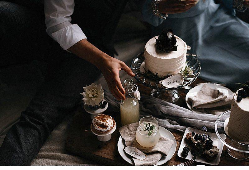 Finnisches Hochzeitsgelübe mit Bootshaus-Picknick von Aino und Jere Satamo Photography