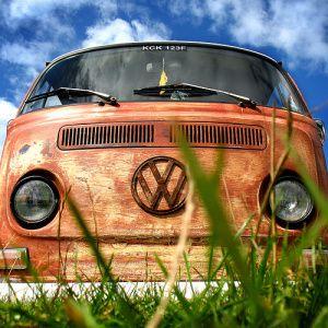 Beber agua Inmoralidad A escala nacional  Refuse to bid farewell to the 70s? Rent a VW CombiVan in Europe   Vw  camper, Vw campervan, Vw van