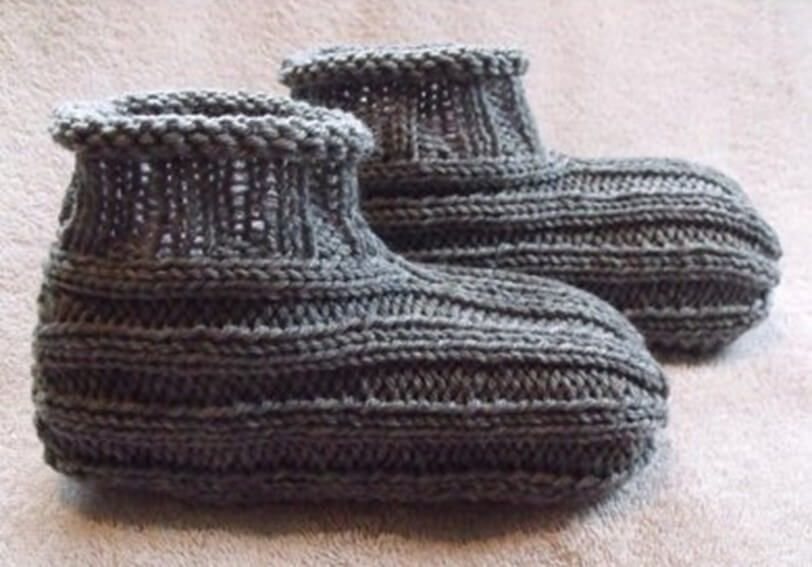 Make These Great Knit Adult Bootie Slippers Knitting Pinterest