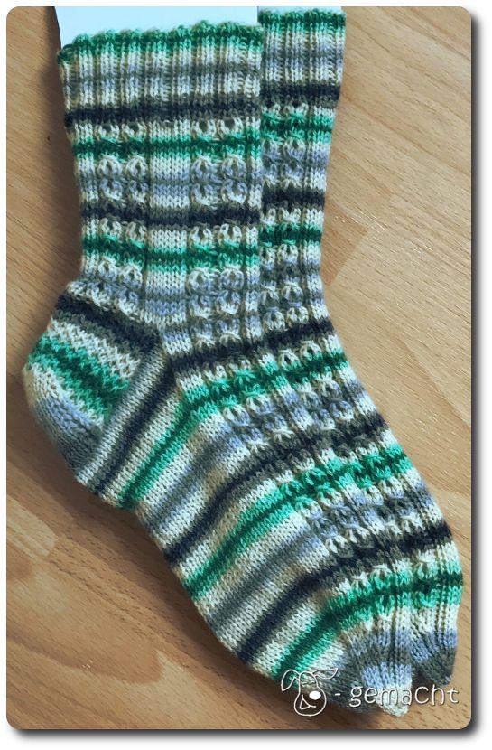 Nun habe ich die Socken fertig gestrickt, wegen denen ich