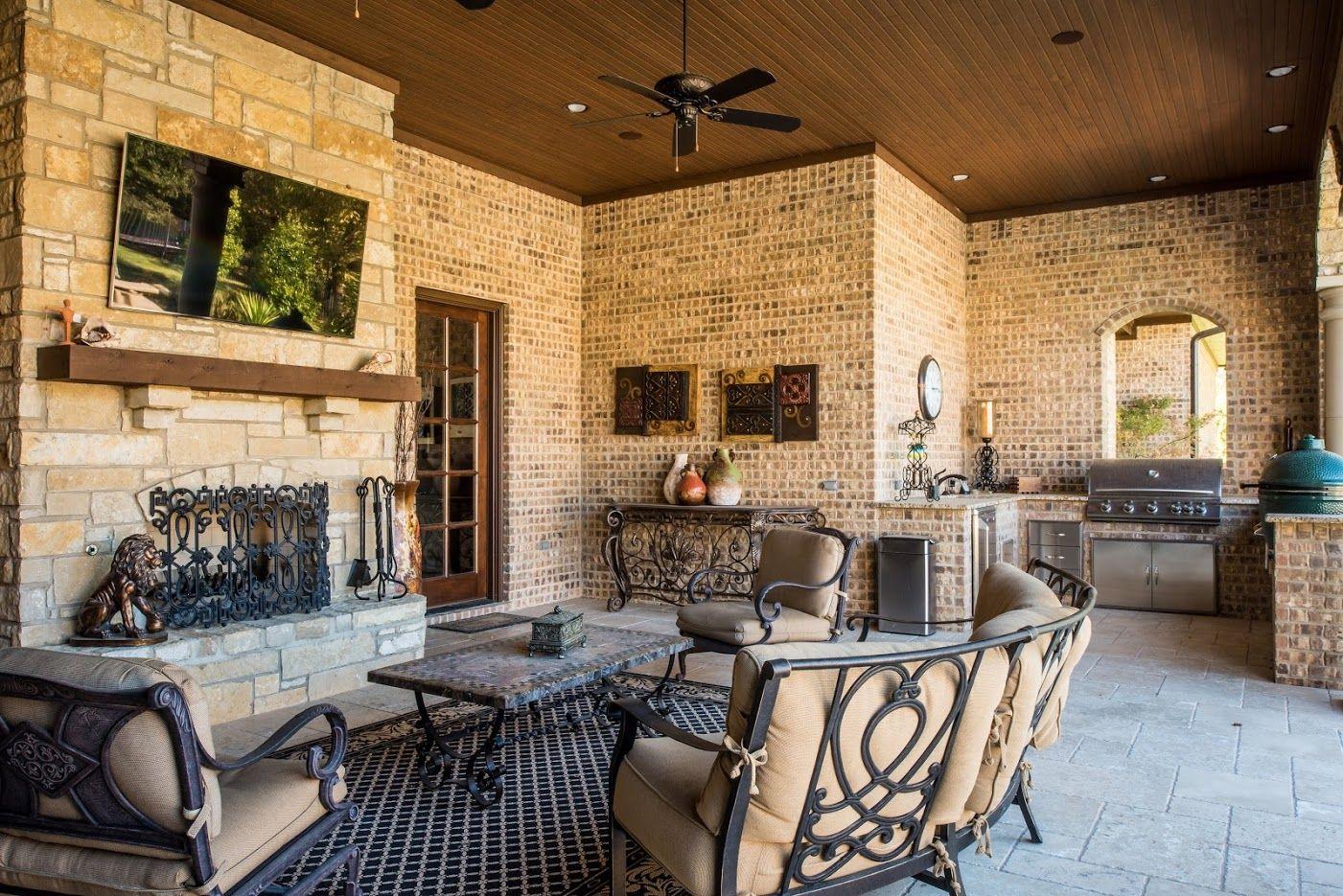 V Patrick Gray Custom Homes custom patio
