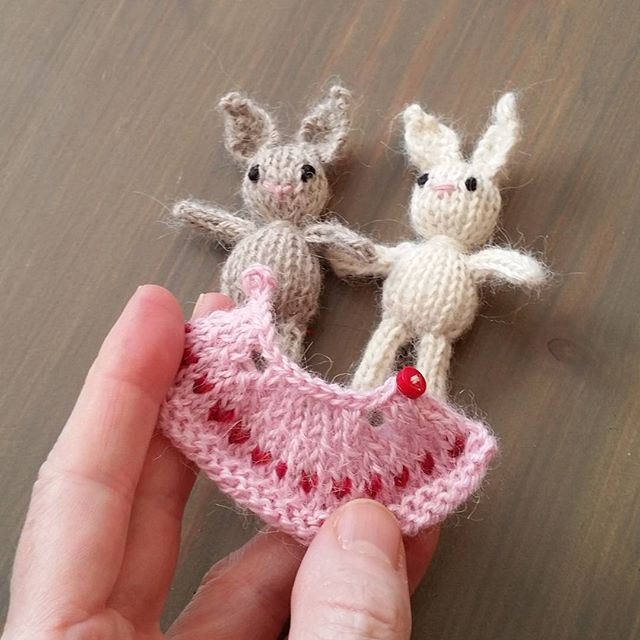 Smallest knitted dress and bunny! Free pattern is actually @ http ...