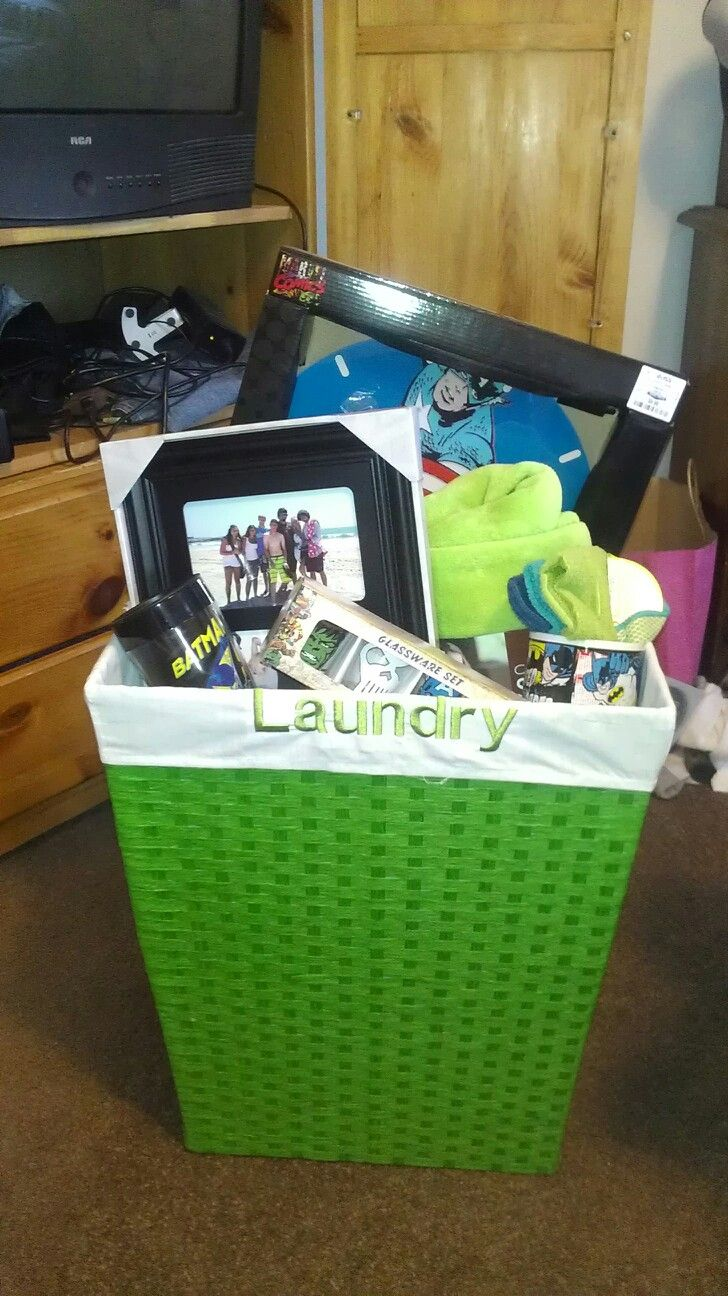 House warming gift for Zach!! Some towels, washrags, throw ...