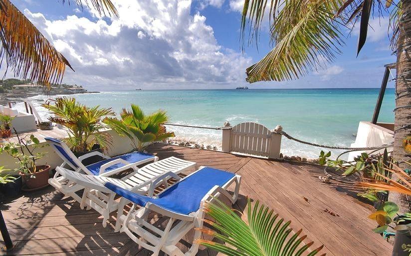 SMART VILLA...beachfront in Pelican Key, St Maarten 800