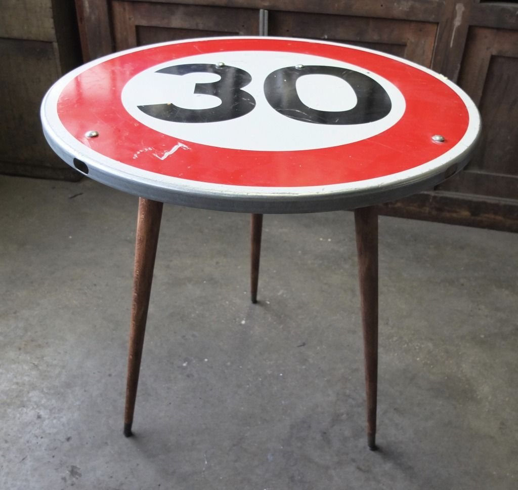 Top Table panneau de signalisation 30 : Meubles et rangements par  ON64