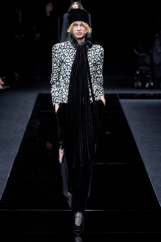 Armani PreFall 2020 Fashion Show Idées de mode