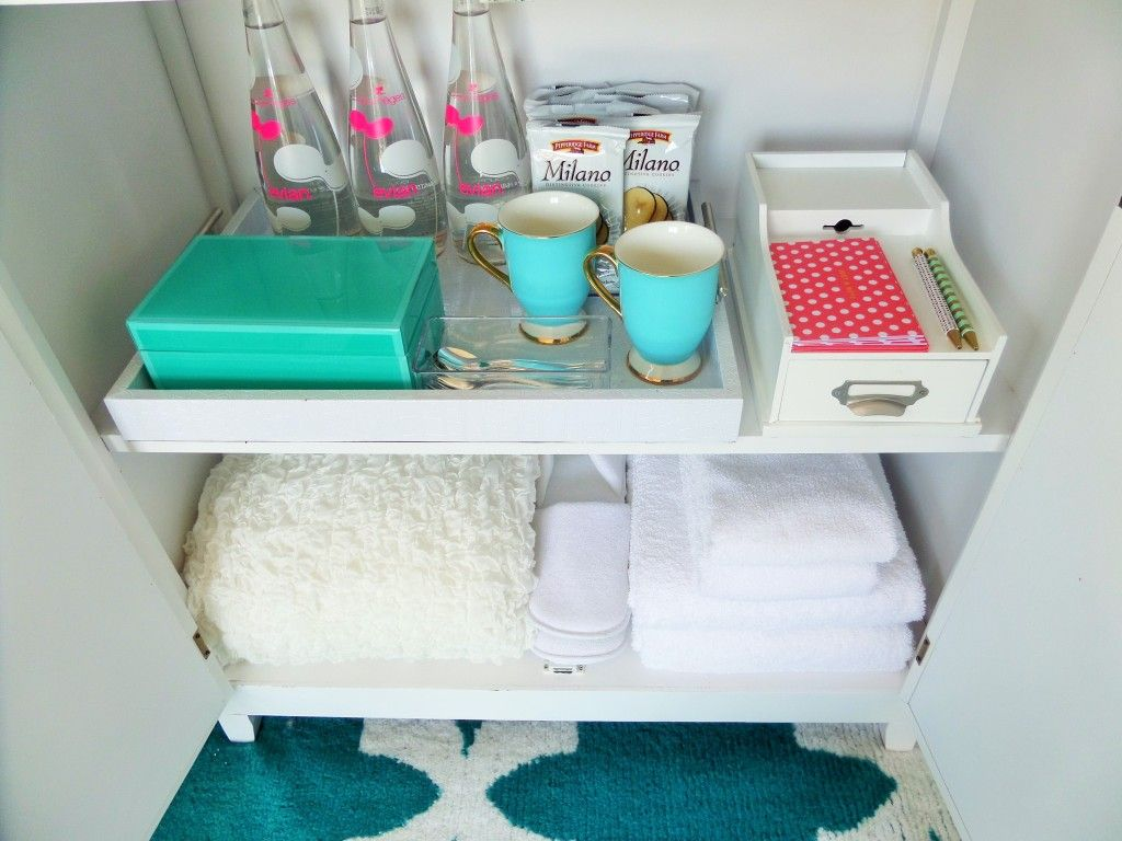 Guest Room Essentials. Place Snack Tray, Extra Pillows, Towels And Blankets  For Your Guest.