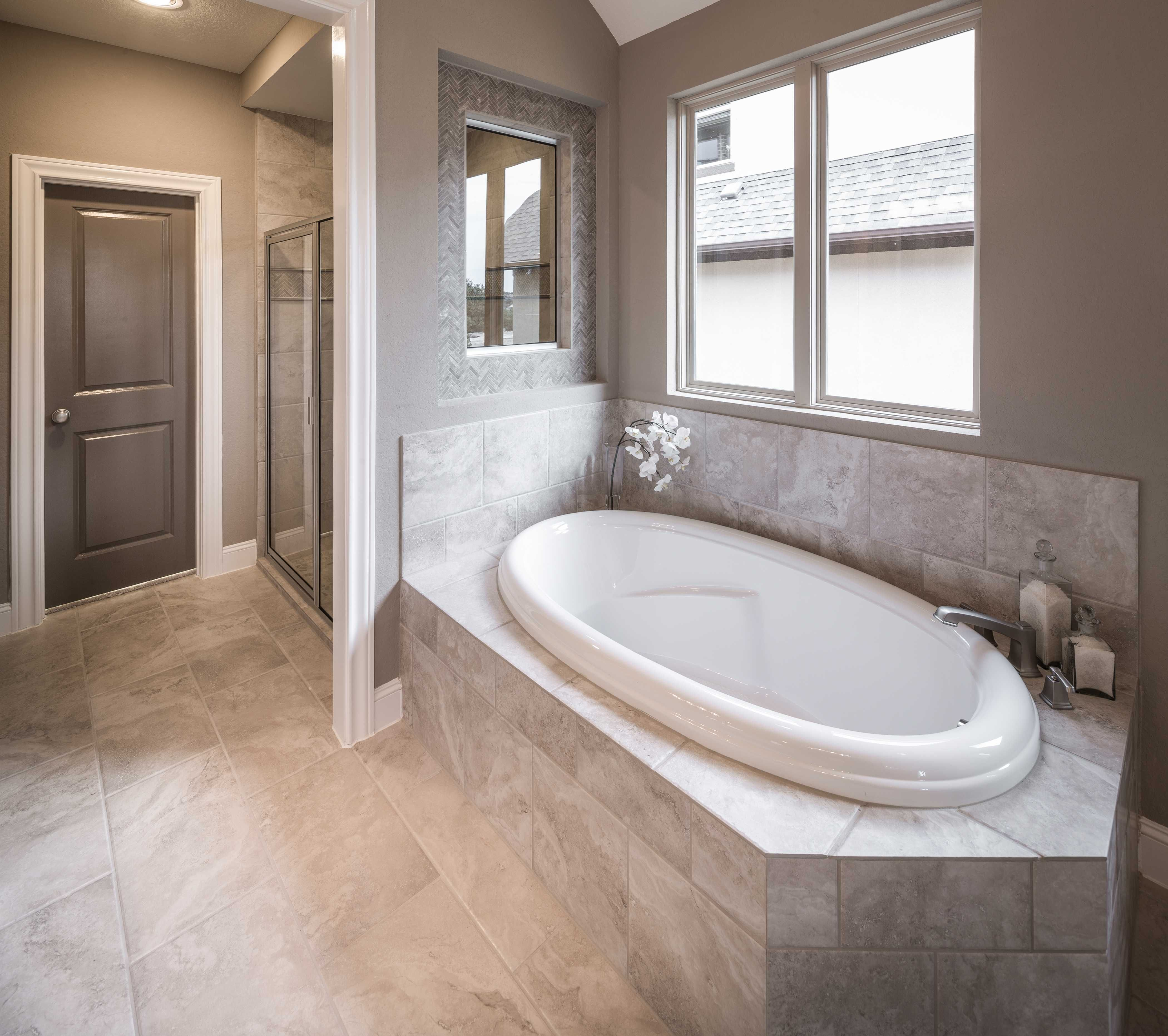 master bathroom in highland homes 539 plan at 23329 emerald pass rh pinterest com