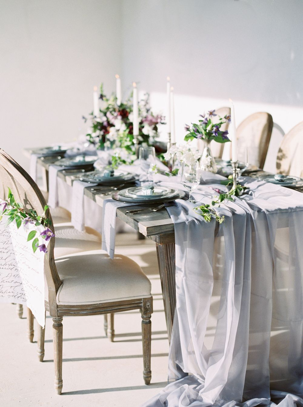 elegant italian inspired tablescape wedding chairs tables rh pinterest com