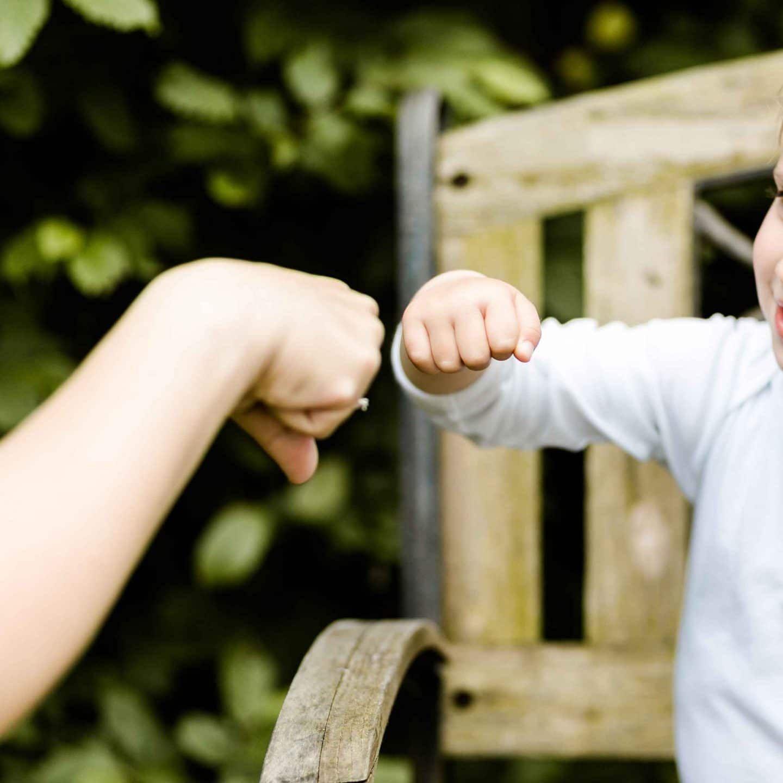 Du Bist Eklig Kinder Stark Machen Https Familieberlin De Kinder Yoga Fur Kinder Kindererziehung