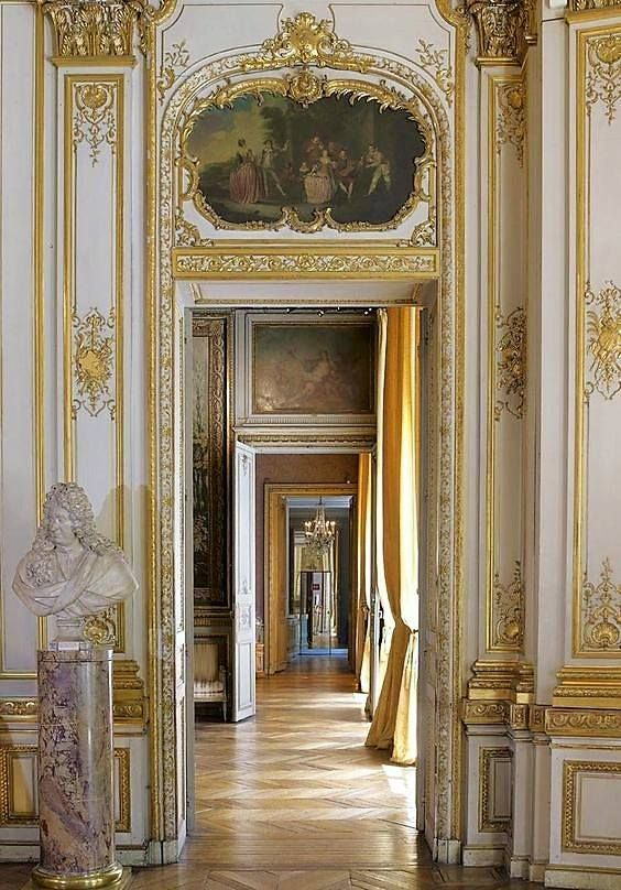 gilded enfilade vignettes and details french interior palace rh pinterest com