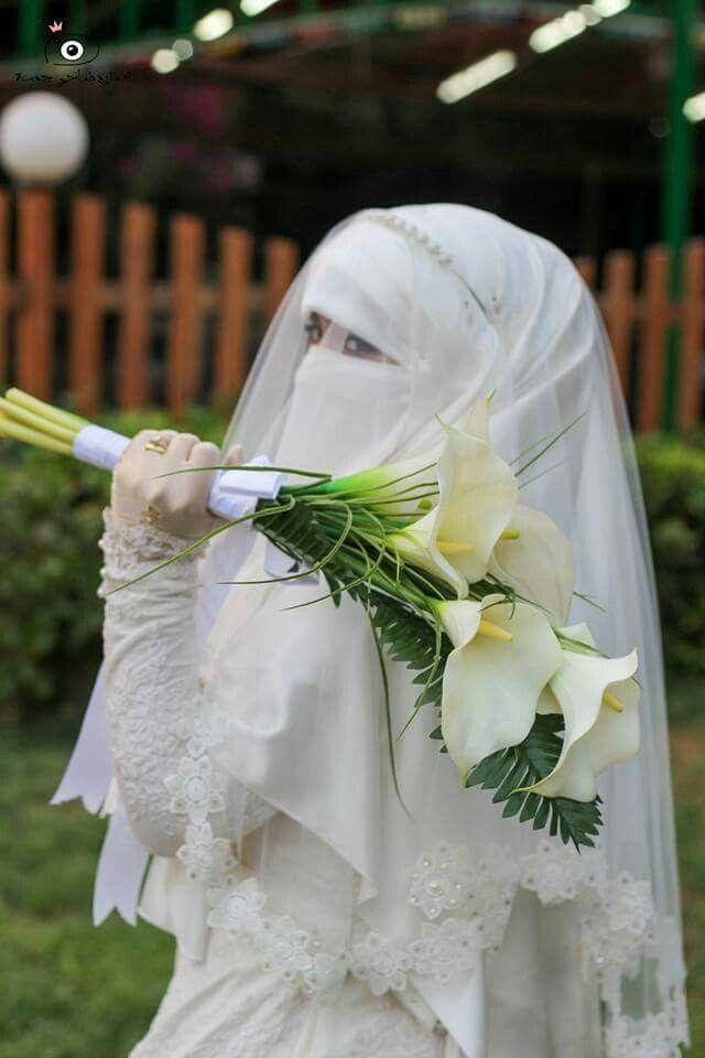 باقة ورد و فستان ابيض Dugun Gelin Gelinlik Dugun
