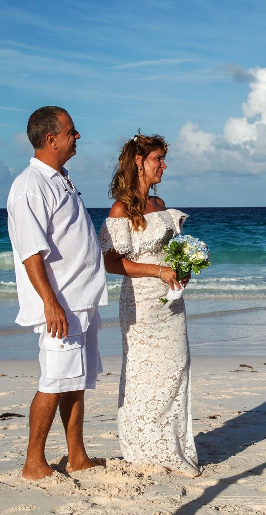 Select The Wedding Packages Which Suits You And Host Beach Of Your Dreams At Valentines Resort In Harbour Island Marina Bahamas