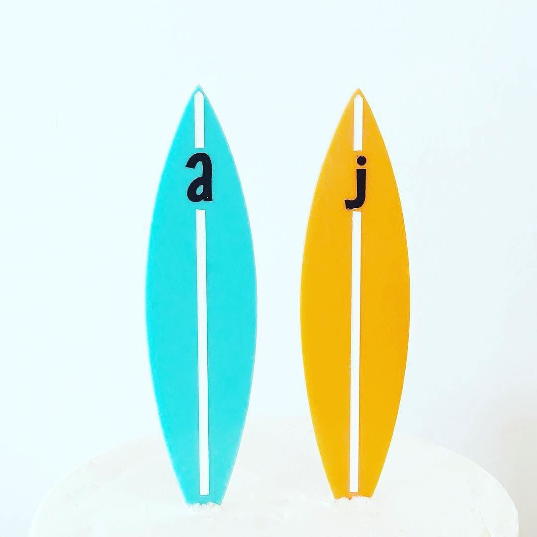 Can't get enough beachy tropical vibes! Had to share these custom surfboard toppers we made @earthandsugar   the cutest @californialustre surfboard cake toppers on a mini cake for a one year anniversary! #caketopper #earthandsugar #buttercreamcake #custom #surf #beach #love #bakery #florida #ilovewpb #miamibride #miami #engaged #ido #palmbeach #palmbeachbride #southfloridabrides #abmlifeissweet #abmlifeiscolorful #abmhappylife #customcaketopper #makeyousmilestyle #acolorstory #thatsdarling…