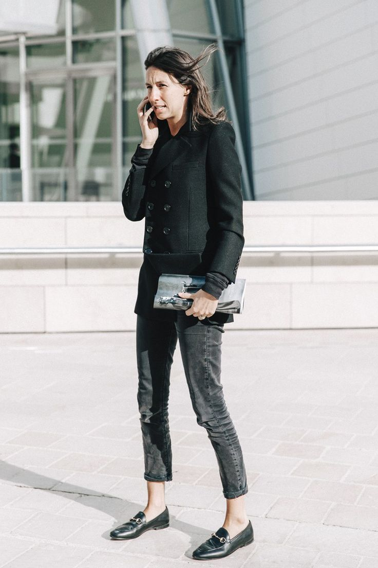 ce765a0a035d French Vogue editor Emmanuelle Alt in Gucci black Brixton Loafer. Basic and  chic.