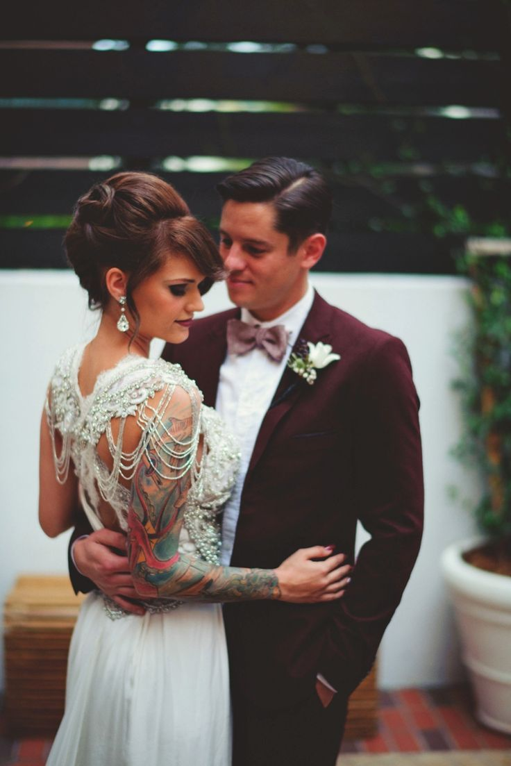 unusual wedding photos ideas%0A Black  u     Gold New Year u    s Eve Wedding Ideas