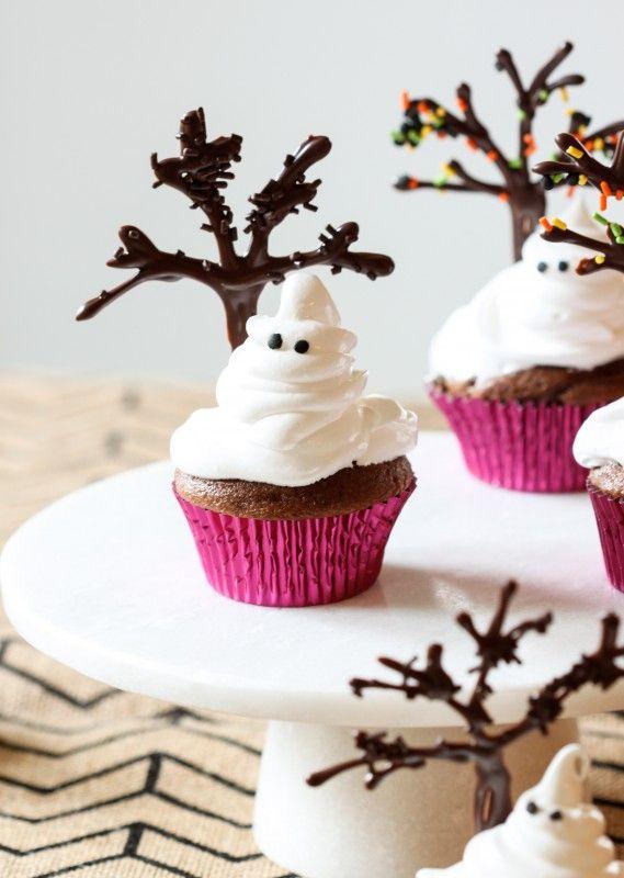 Ghost cupcakes... so cute!   HALLOWEEN   Pinterest   Fantasmas ...