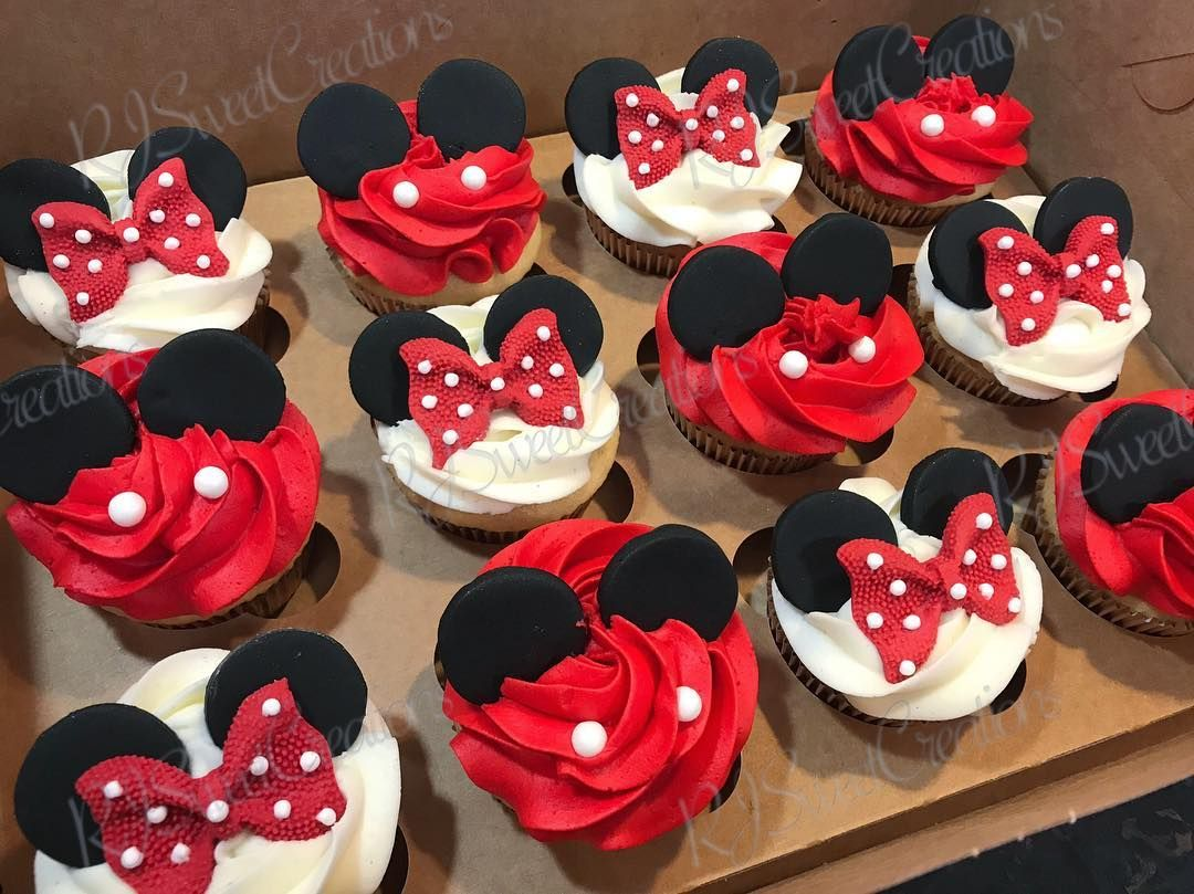 "Rosemary on Instagram: ""Mickey and Minnie Mouse themed cupcakes @rjsweetcreations #rjsweetcreations #ny #nyc #queens #baker #treatsmaker #sweettreats #sweets…"""