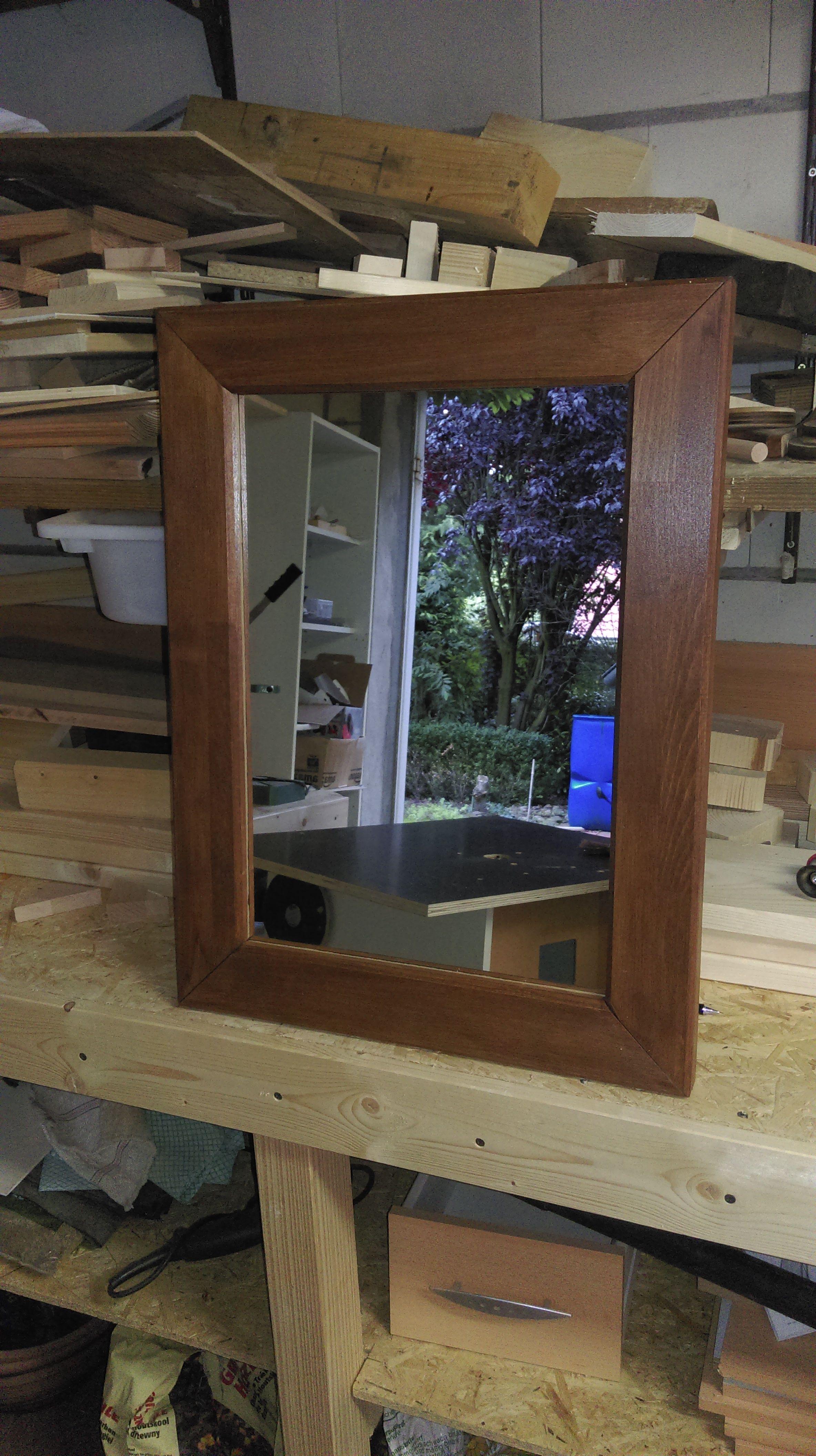 spiegel f rs g ste wc bauanleitung zum selber bauen bank pinterest. Black Bedroom Furniture Sets. Home Design Ideas