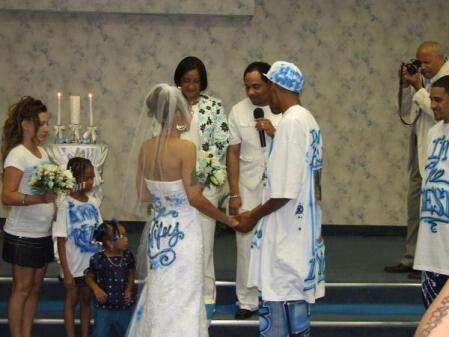 Ghetto Wedding Funny Wedding Pictures Awkward Wedding Photos Funny Wedding Dresses