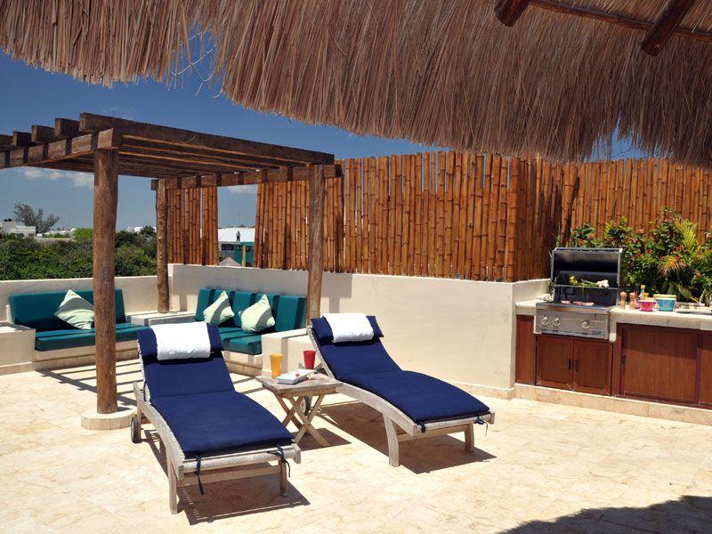 roof top patio to die for with beautiful ocean views.. El ...