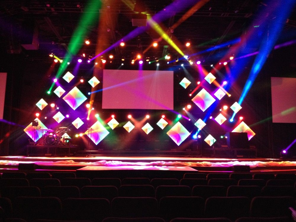 multi color diamond effect for stage background - Concert Stage Design Ideas