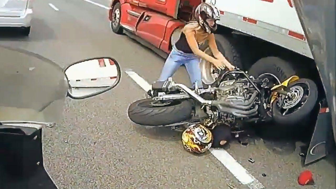 Most dangerous accident truck vs bike horrible dead a