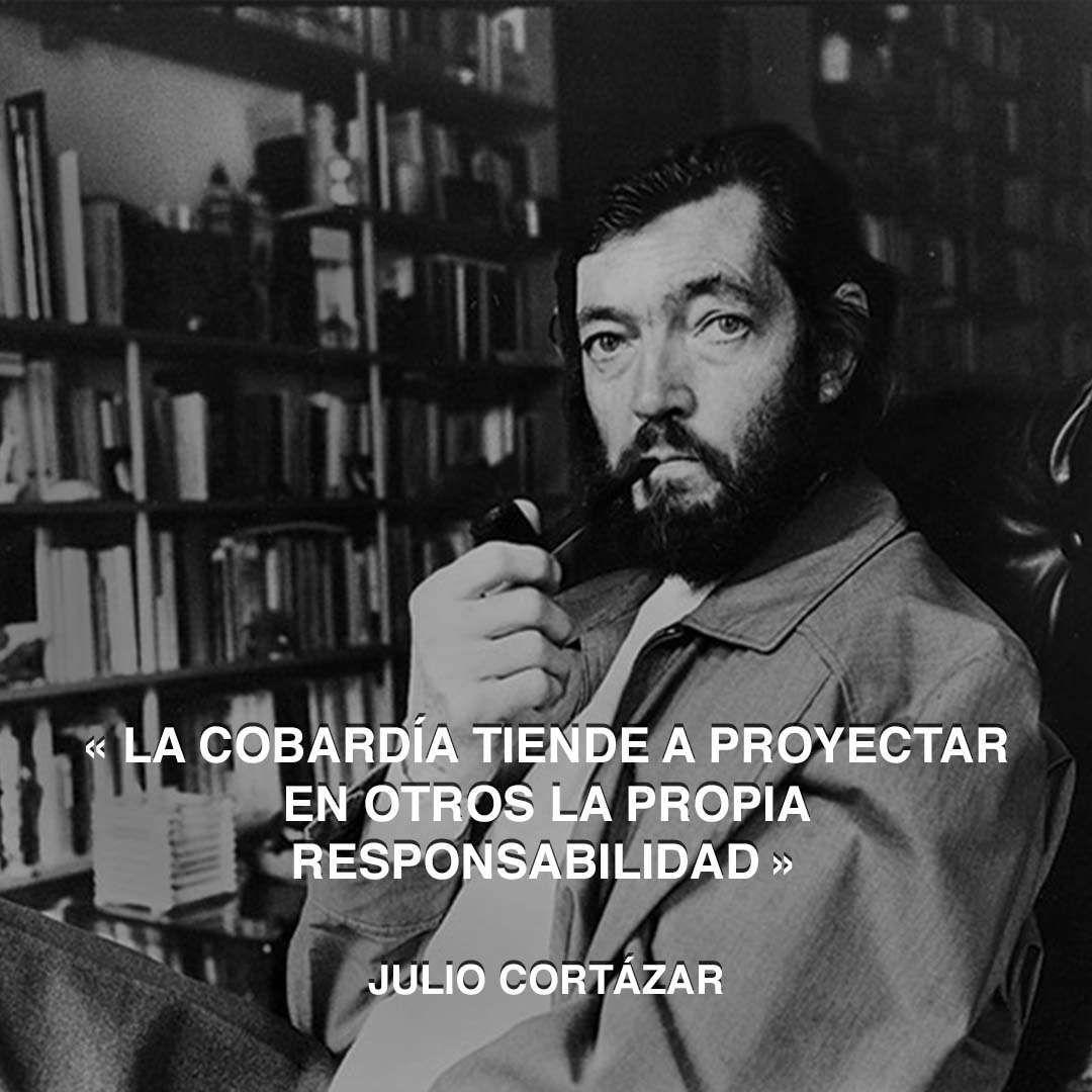 « La cobardía tiende a proyectar en otros la propia responsabilidad » Julio Cortázar #responsabilidad #juliocortazar #cobardia http://www.pandabuzz.com/es/cita-del-dia/julio-cortázar-cobardía-proyectar-otros-responsabilidad