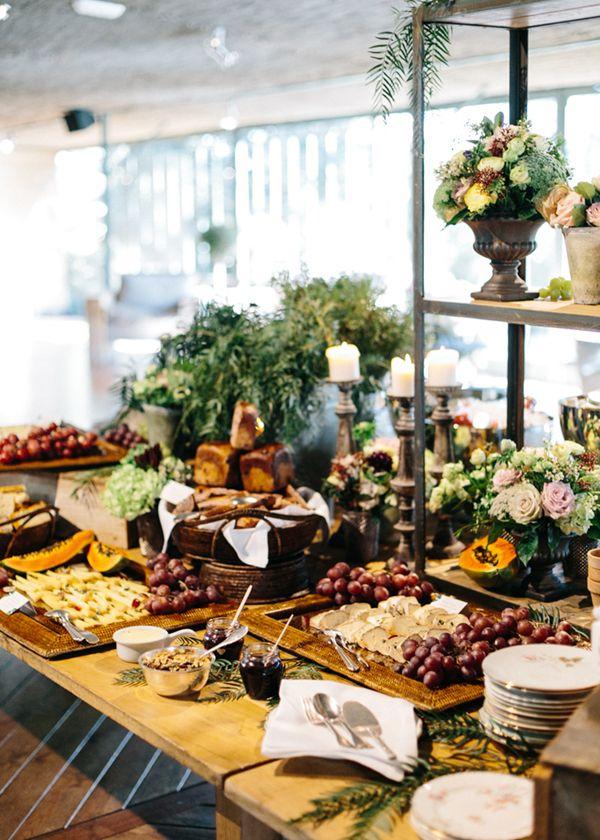 Buffet de comida decoraci n de invernadero evento organizado por detallerie en masia ribas - Decoracion buffet ...