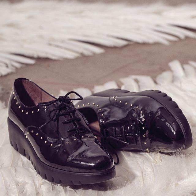 WONDERS C-5302 Zapatos de para mujer en color negro. Características con  cordones 7fc6f07f075c