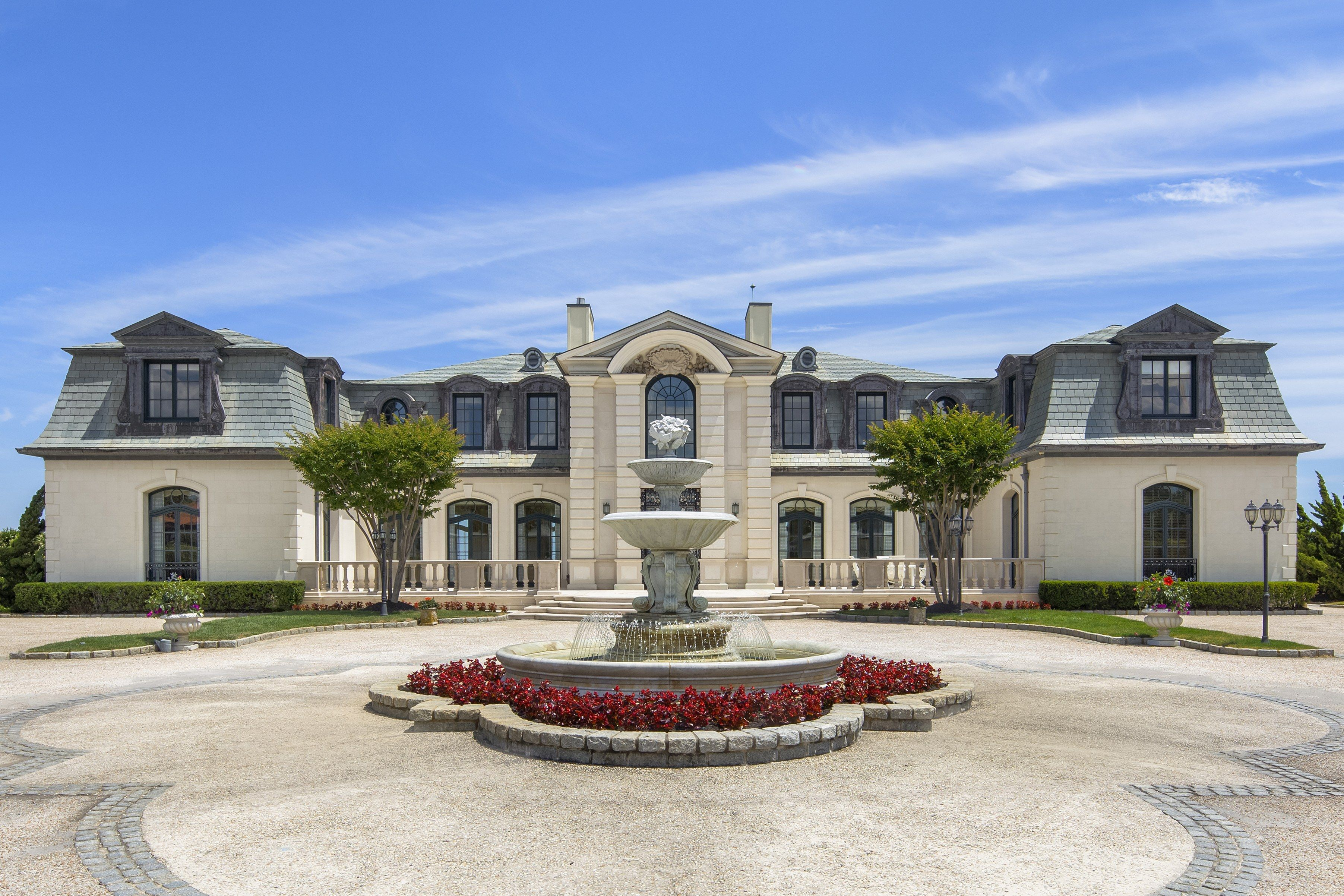 Tour A 39 Million French Chateau On The Jersey Shore French Chateau Mansions Homes Mansions