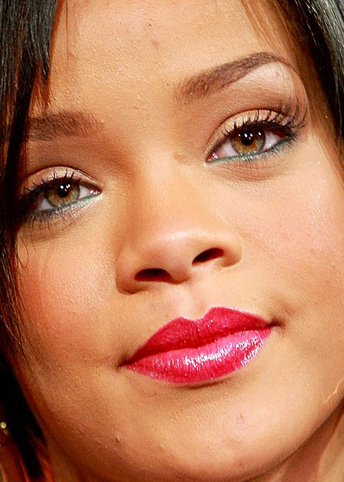 Rihanna close up without photoshop. | BEFORE AND AFTER ...