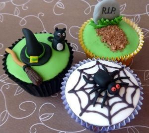 Halloween cupcakes by Brown Eyed Girl Bakery