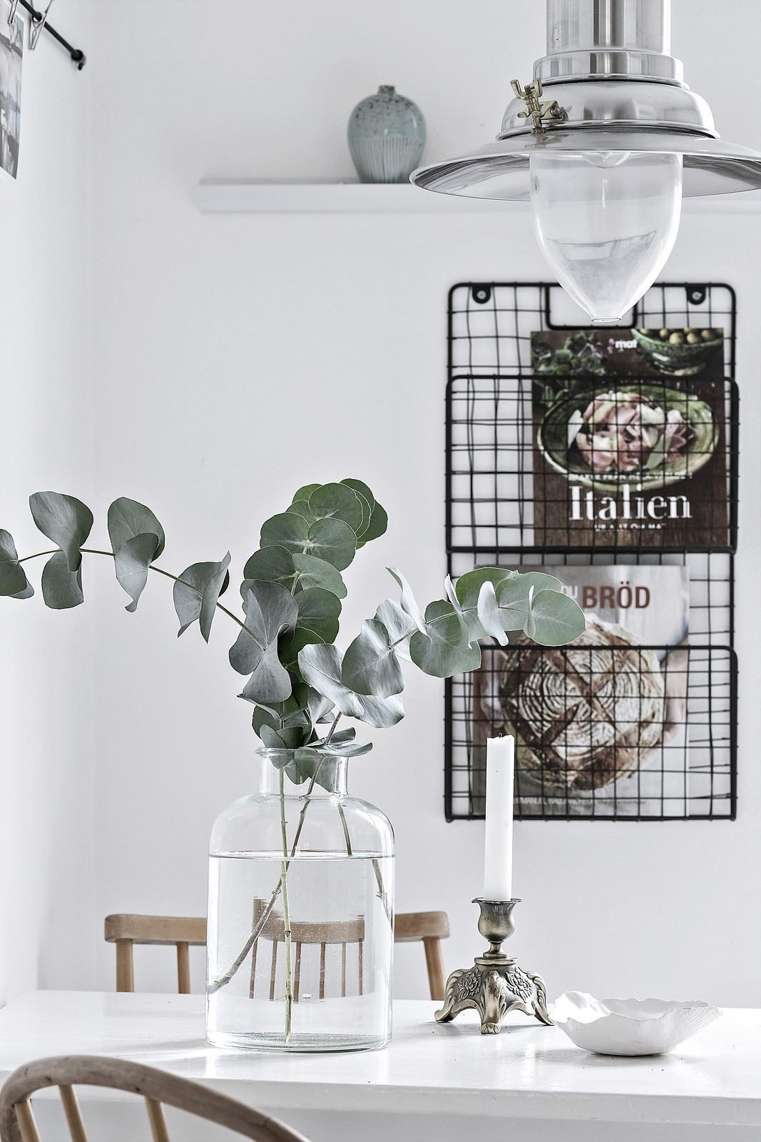 Fresh and white kitchen - via Coco Lapine Design