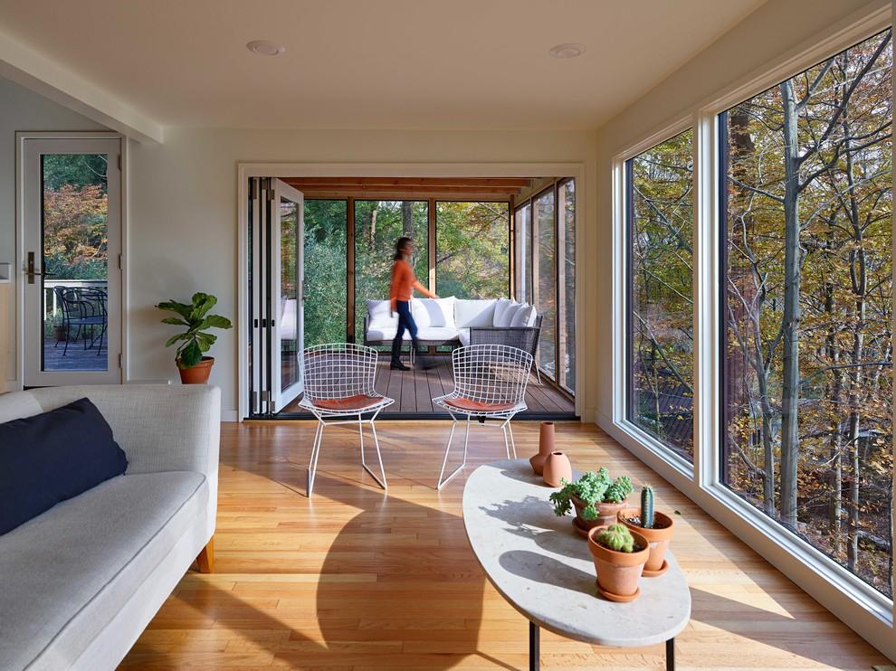 Best 16 Amazing Mid Century Modern Sun Room Designs To Chill 400 x 300