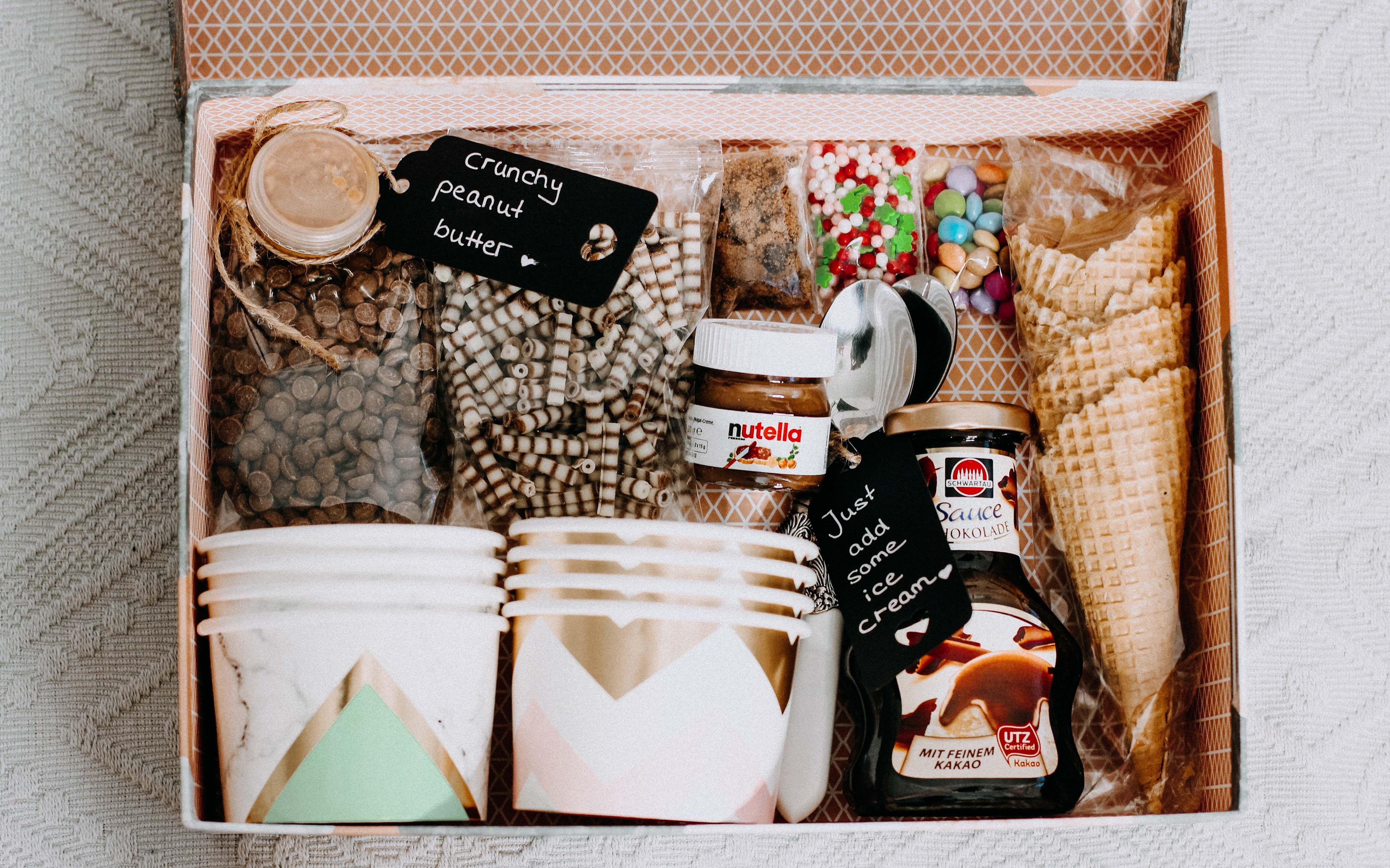 Diy Geschenk Ice Cream In A Box Diy Geschenk Geschenke Kaufen