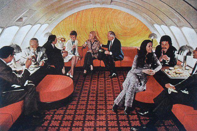 American Airlines LuxuryLiner 747 upper deck lounge