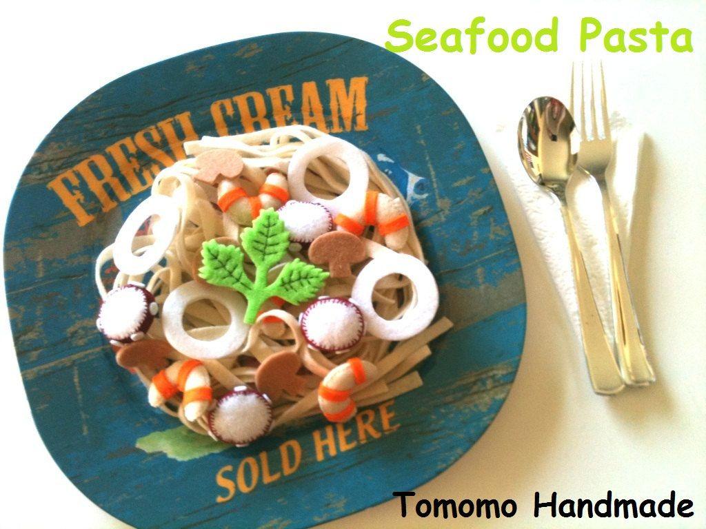 Felt food  Seafood Pasta. $15.00, via Etsy.